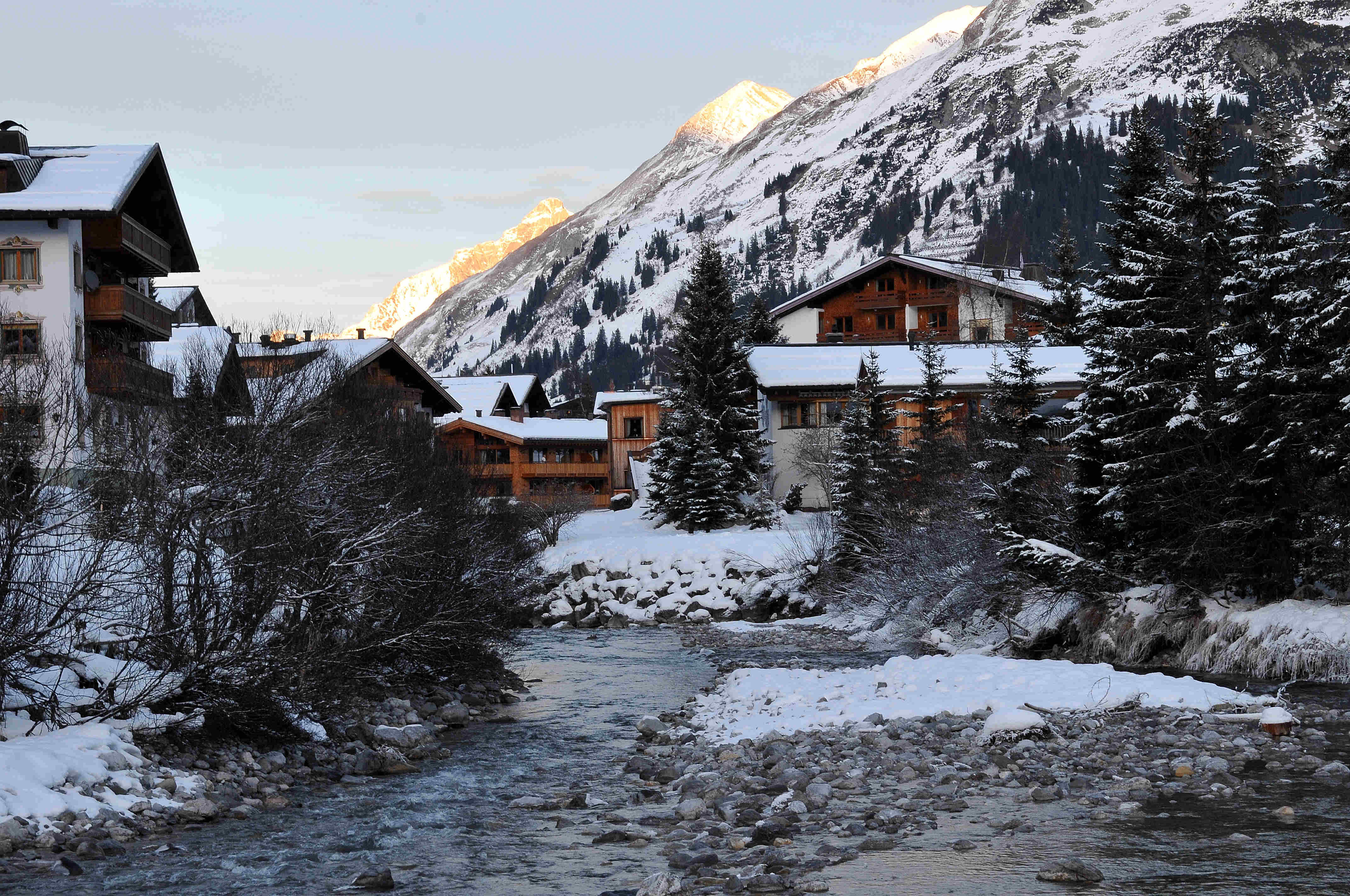 Family ski holidays in Lech - walking trails
