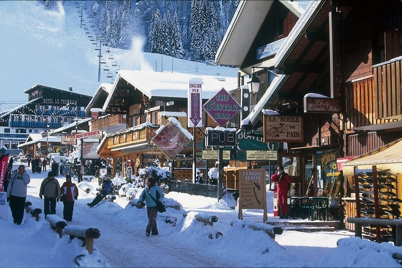 Corporate ski groups Morzine