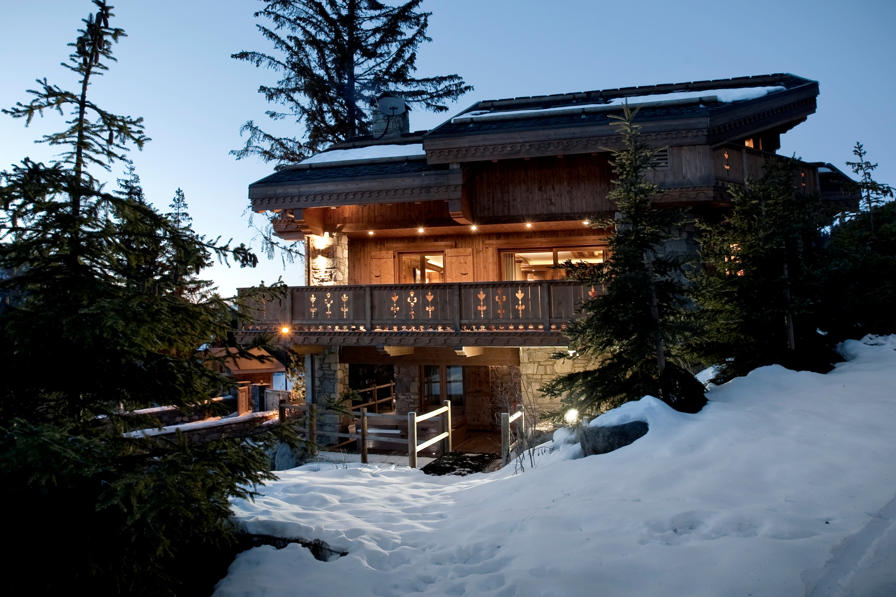 Ski in ski out chalets in Meribel - the Chalet Trois Ours