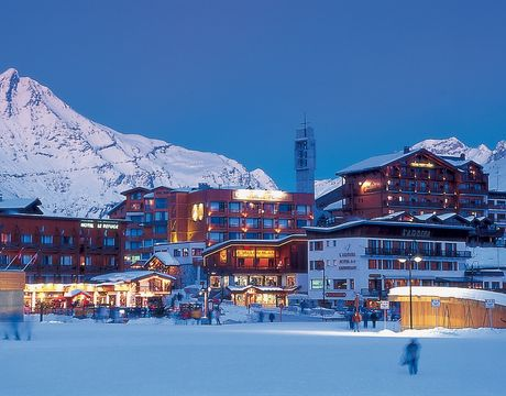 Chalets in Tignes and hotels in Tignes - the Front de Neige looking at Tignes Le Rosset