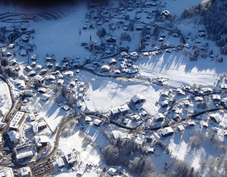 Chalets in Les Carroz - aerial view of the resort centre