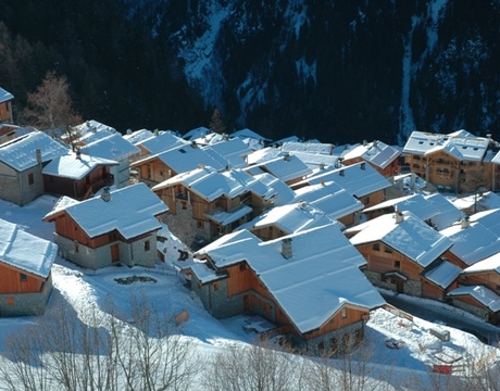 Chalets in Ste Foy Tarentaise - a view from the piste
