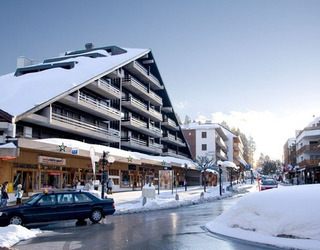 Chalets in Crans Montana and hotels in Crans Montana - a stylish Swiss ski resort