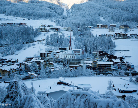 Chalets in Solden Austria - a lively resort with some high, snow-sure skiing