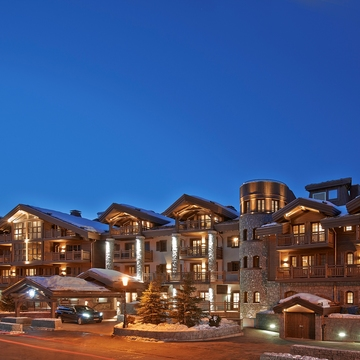 Hotel L' Apogee ski hotel in Courchevel 1850