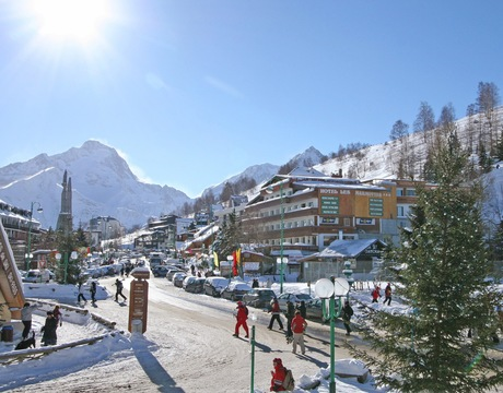 Chalets in Les Deux Alpes - the busy main strip of the resort