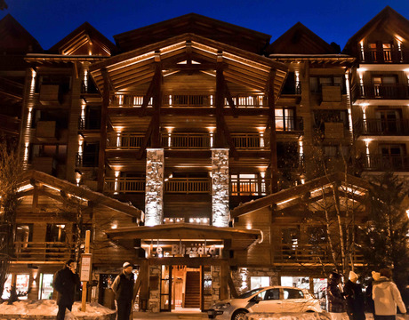 Ski hotels near resort centre - Hotel Blizzard in Val d'Isere
