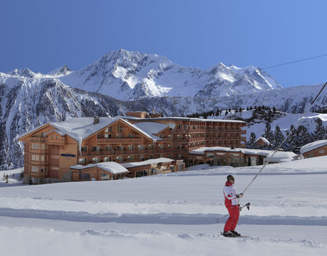 Ski in ski out hotels - the lovely Hotel Annapurna in Courchevel 1850