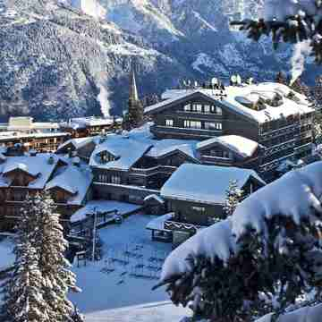 Hotel Le Lana ski hotel in Courchevel 1850