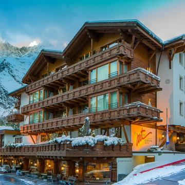 Hotel Ferienart Resort & Spa ski hotel in Saas Fee