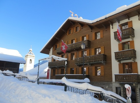 Hotel Suisse ski hotel in Champery