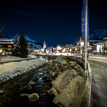 Lech main street night