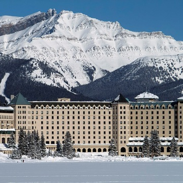 Hotel Fairmont Chateau ski hotel in Lake Louise
