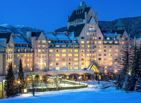 Hotel Fairmont Chateau ski hotel in Whistler