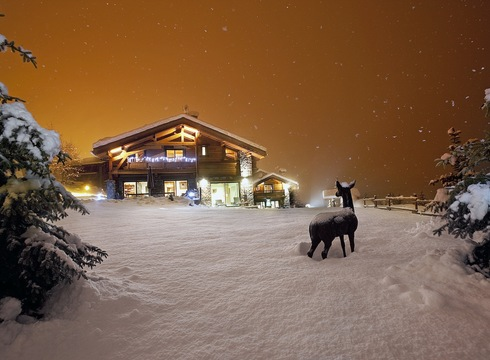 Chalet Samarra ski chalet in Courchevel Village