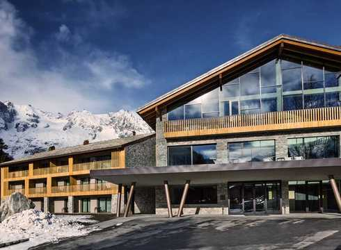 Grand Hotel Courmayeur Mont Blanc ski hotel in Courmayeur