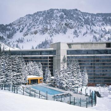 Cliff lodge and spa snowbird exterior