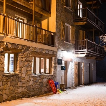 Chalet Hattiers Large Apartment ski chalet in Tignes (Les Brevieres)