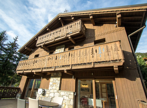 New Mountain Lodge ski chalet in Meribel